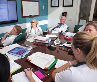nursing-students-in-medical-presentation