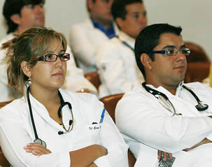 medical-students-in-college-lecture