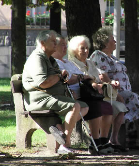 elderly-group-46