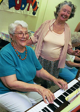 elderly-woman-playing-piano-01133