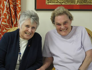 friendly-residents-of-care-home-7722