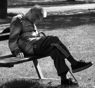 old-man-sleeping-5503
