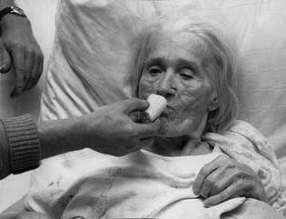 old-woman-eating-food-0222