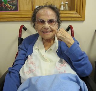 resident-woman-at-long-term-nursing-home-6622
