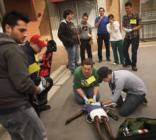 emergency-medical-training-on-practice-dummy