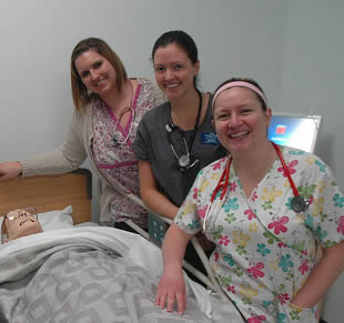 nurse-aide-in-simulation-training