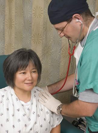 nurse-examination-990232