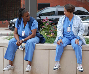 nurses-off-duty-7788