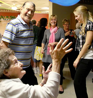 retirement-home-party-493325