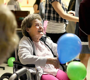 senior-dance-party-retirement-home-495945