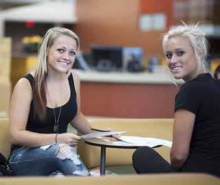 blonde-college-girls