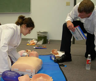 medical-life-saving-training-9022