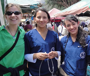 nurses-at-health-care-event