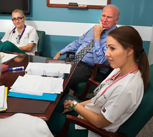 medical-workers-in-office-meeting