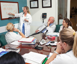 meeting-of-medical-professionals