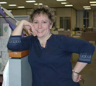 smiling-lady-at-work-9003