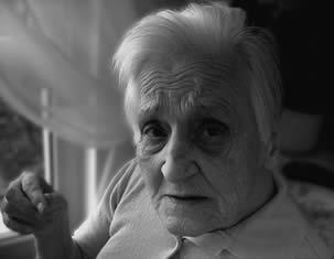 elderly-woman-care-home-334455