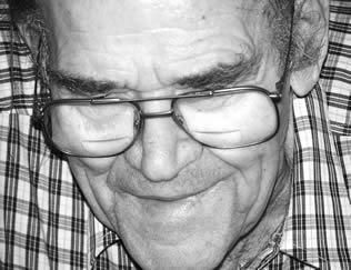 older-man-with-glasses-023