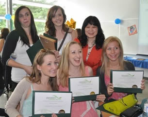 cna-students-with-certification