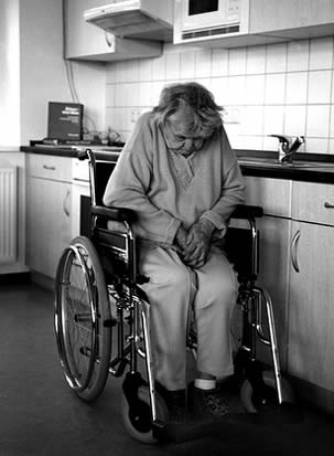 elderly-woman-in-wheelchair-at-nursing-home-333