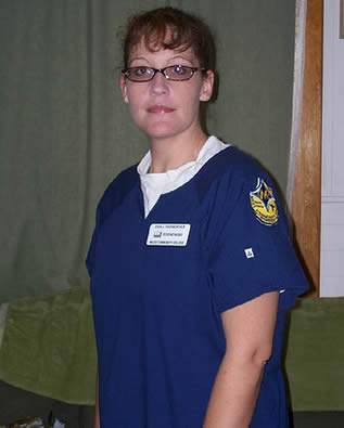 nurse-in-scrubs-992343