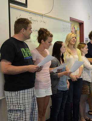 college-classroom-presentation