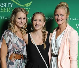college-girls-on-graduation