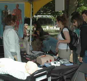 medical-equipment-demonstration