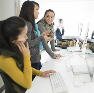 students-at-computer-workshop