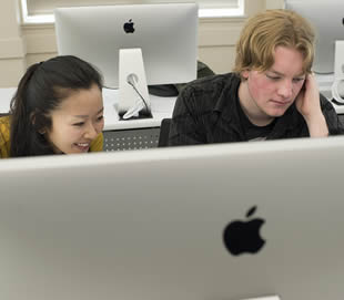 students-using-mac-computer
