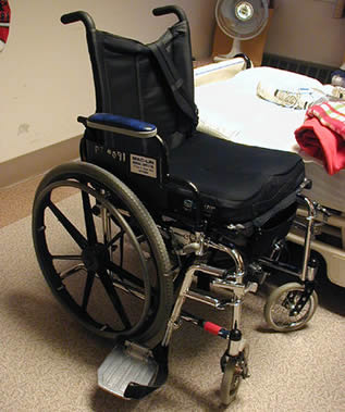 wheelchair-in-hospital-11