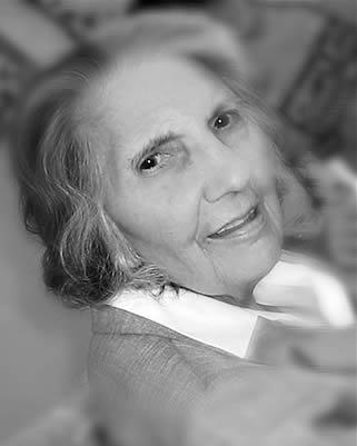 elderly-lady-02201