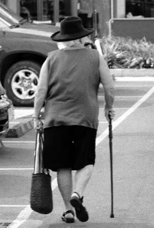 elderly-woman-with-cane-4403