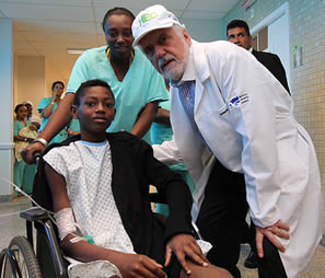 nurse-aide-with-child-patient-in-wheelchair