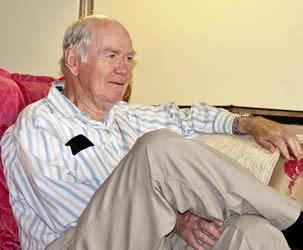 talk-with-elderly-patient