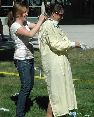nurse-wearing-protective-gear
